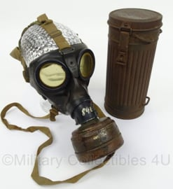 WO2 Duits gasmasker met filter en gasmaskerbus - origineel