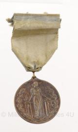 FIDAC medaille Fédération Internationale des Anciens Combattants - origineel - metaal - 3,5 x 4 cm