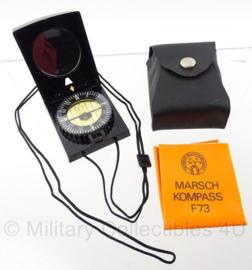 DDR kompas set met zwarte hoes - marschkompass F73 - origineel