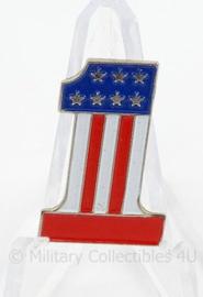 US America First speld - afmeting 1,5 x 2,5 cm - origineel