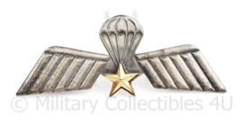 Defensie parawing A  met goudkleurige ster - 9 x 3,5 cm - origineel