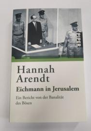 Boek. Eichmann in Jerusalem Ein Bericht von der Banalität des Bösen