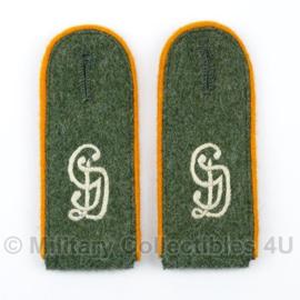 M40 / M43 Schouderstukken Grossdeutschland Feldgendarmerie Schutze