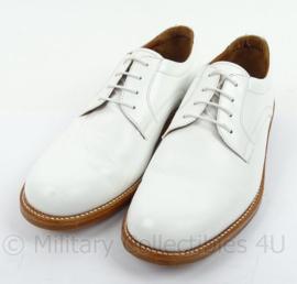 KM Koninklijke Marine Tropen schoenen wit merk Defensie - lederen zool, rubber inzet - gedragen - maat 11,5M = 46,5M = 295M - origineel