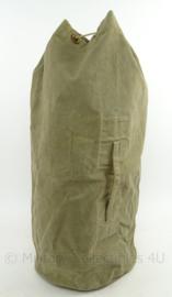 MVO plunjezak vroeg model jaren 50 - groen - afmeting 70 x 26 cm - origineel