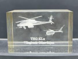 Zeldzaam glazen bureau decoratie THG klu Vliegbasis Gilze Rijen - 5 x 8 x 5 cm - origineel