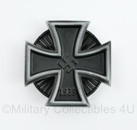 Replica Wo2 Duits IJzeren kruis 1e klasse met draaischijf - 4,5 cm x 4,5 cm