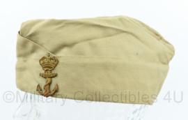 Koninklijke Marine schuitje met origineel insigne december 1971 - maat 57  - origineel