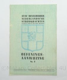 Staf Bevelhebber Nederlandsche strijdkrachten oefenings aanwijzing No5 uit 1945 - afmeting 15 x 23 cm - origineel