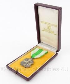 """Belgische """"orde van Leopold II"""" Zilver medaille met doosje - Origineel"""
