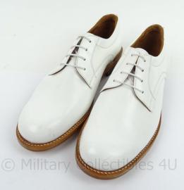 KM Koninklijke Marine Tropen schoenen wit merk Defensie - lederen zool , rubber inzet - nieuw - maat 10M - origineel
