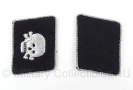 WO2 Duiste Kraagspiegel set - Officieren SS - Totenkopf - afmeting 6 x 5 cm - replica