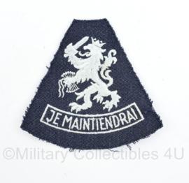 Defensie of KLU Luchtmacht mouwleeuw Je Maintiendrai embleem - 9 x 9  cm - origineel