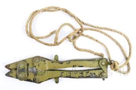 Britse of Canadese leger WO2 periode draadkniptang - 27 x 7 x 1,3 cm - origineel