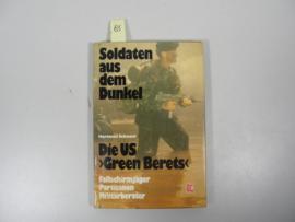 Boek 'Soldaten aus dem Dunkel' - Hartmut Schauer