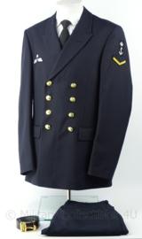 KM Koninklijke Marine Daagsblauwe Uniform jas, broek, broekriem - met insignes - maat jas 51 3/4 - origineel