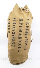 Koninklijke Marine en Korps Mariniers plunjezak coyote  - met mooie tekst van Marinier - 85 x 37 cm - origineel