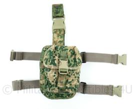 Nederlandse Leger nieuwste model NFP Multitone MOLLE combat belt en legpanel beentas Sioen - 17 x 23 x 10 cm - origineel