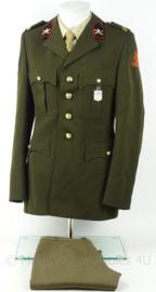 KL Landmacht DT uniform jas en broek veldartillerie - model voor 2000 - met insignes - maat 49 3/4 - origineel