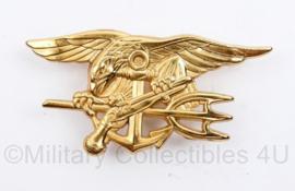 USMC US Marine Corps badge goudkleurig  - 7 x 4 cm - origineel