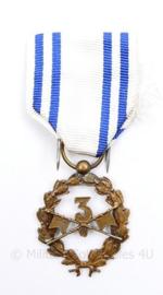 Belgische 3e Regiment medaille - afmeting 8,5 x 4 cm - origineel