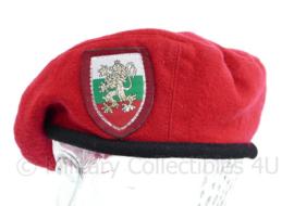 Bulgaarse leger dames baret met insigne - maat 56 - origineel