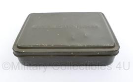 Defensie vorig model FAL geweer schoonmaakset  blik - zonder inhoud - 8 x 11 x 2,5 cm - origineel