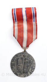 Tsjechische Medaille Zazlouzily Pracovnik  - Ministerie van onderwijs - 10 x 4 cm - origineel