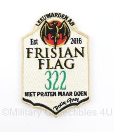 KLU Luchtmacht embleem Frisian Flag 322 Squadron Leeuwarden Bacardi - niet praten maar doen - met klittenband - 10 x 6,5 cm - origineel