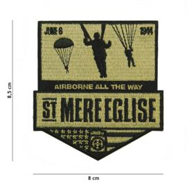 Embleem stof St. Mere Egilse Airborne All the Way June 6 1944 - 8,5 x 8 cm.