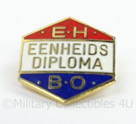 KL Landmacht EHBO eenheids diploma - afmeting 2 x 2 cm - metaal - origineel