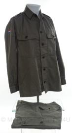 KLU Koninklijke Luchtmacht GVT kledingset jas en broek - maat 50 tm. 52 - origineel