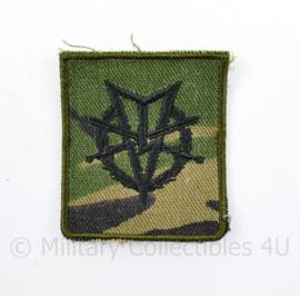 Defensie zeldzame camo versie MLV embleem op Woodland - 5 x 5 cm - origineel