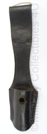 WO2 Duitse K98 bajonet Koppelschuh van leder - afmeting 25 x 5,5 x 3 cm - origineel