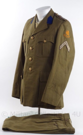 """KMAR Koninklijke Marechaussee DT jas en broek met rang """"Opperwachtmeester"""" - 1956 - maat 46 - origineel"""