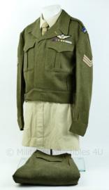 Canadese Battledress + overhemd met broek uit 1952 - met originele insignes - The Royal Canadian Regiment - Grote maat! origineel