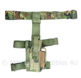 Zeldzaam Korps Mariniers Forest camo beenholster met Woodland koppel - 40x47x26cm - origineel