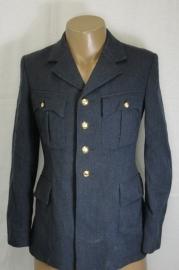 KLU Luchtmacht piloten uniform jas MET broek 1963 - Korporaal  - 104 cm borstomtrek en 80 cm buikomtrek - origineel
