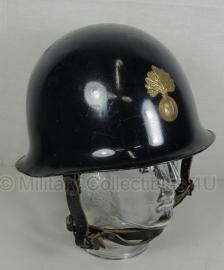 Franse Gendarme politie helm met gouden metalen insigne voorop - origineel
