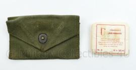 Korps Mariniers jaren 50 en 60 verbandtasje met inhoud - origineel