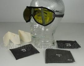 Stofbril met hoes - donkere hoes - origineel WO2 Duitse leger
