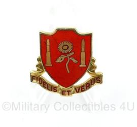 US 29th Field Artillerie unit crest Fidelis et Verus - maker Meyer - 3 x 3 cm - origineel
