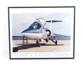 KLU Luchtmacht foto  in lijst van de TF04  - 40,5 x 50,5 x 1,5 cm - origineel