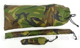 KL Landmacht nieuw model woodland zeil shelter 1 pax noodonderkomen tarp - met stokken en haringen - ongebruikt - afmeting zeil 160 x 243 cm - origineel