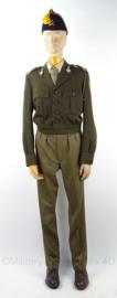 KL Veld Artillerie Gele Rijders uniform set, jasje, broek, schuitje - maat 49 3/4 - origineel