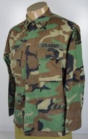 US Army woodland uniform jas BDU - met insignes - meerdere maten - origineel