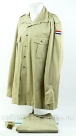 KM Koninklijke marine/ korps mariniers VN UN insignes 1989 - overhemd + broek + broekriem - maat 45 - origineel