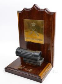 Diemaco C7 Elcan C79 Scope op display klein Kaliber wapengroep - functioneel - alleen Tritium is verwijderd - 34 x 24,5 x 19,5 cm - origineel