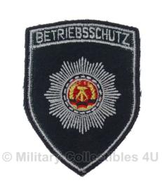 DDR NVA betriebsschutz embleem - origineel