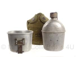 WO2 US Army veldfles set 1945 - fles, 1945 beker en 1951 hoes - origineel